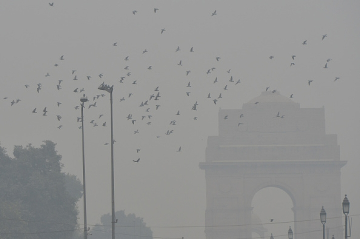 Delhi Air Quality Turns Poor First Time Since Monsoon; To Get Worse Due To Stubble Burning In Haryana, Punjab