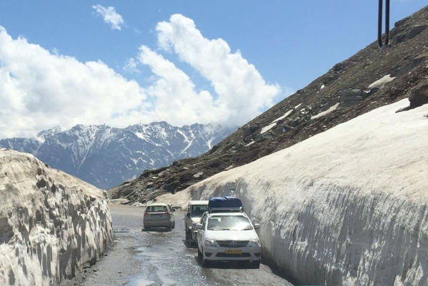 Rohtang No-Pass Due To Heavy Snowfall: Traffic Movement Halted For Winter