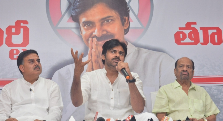 Power Star's Power Move: Actor-Turned-Politician Pavan Kalyan To Approach FBI Against KSPL MD For Illegal Sand Mining