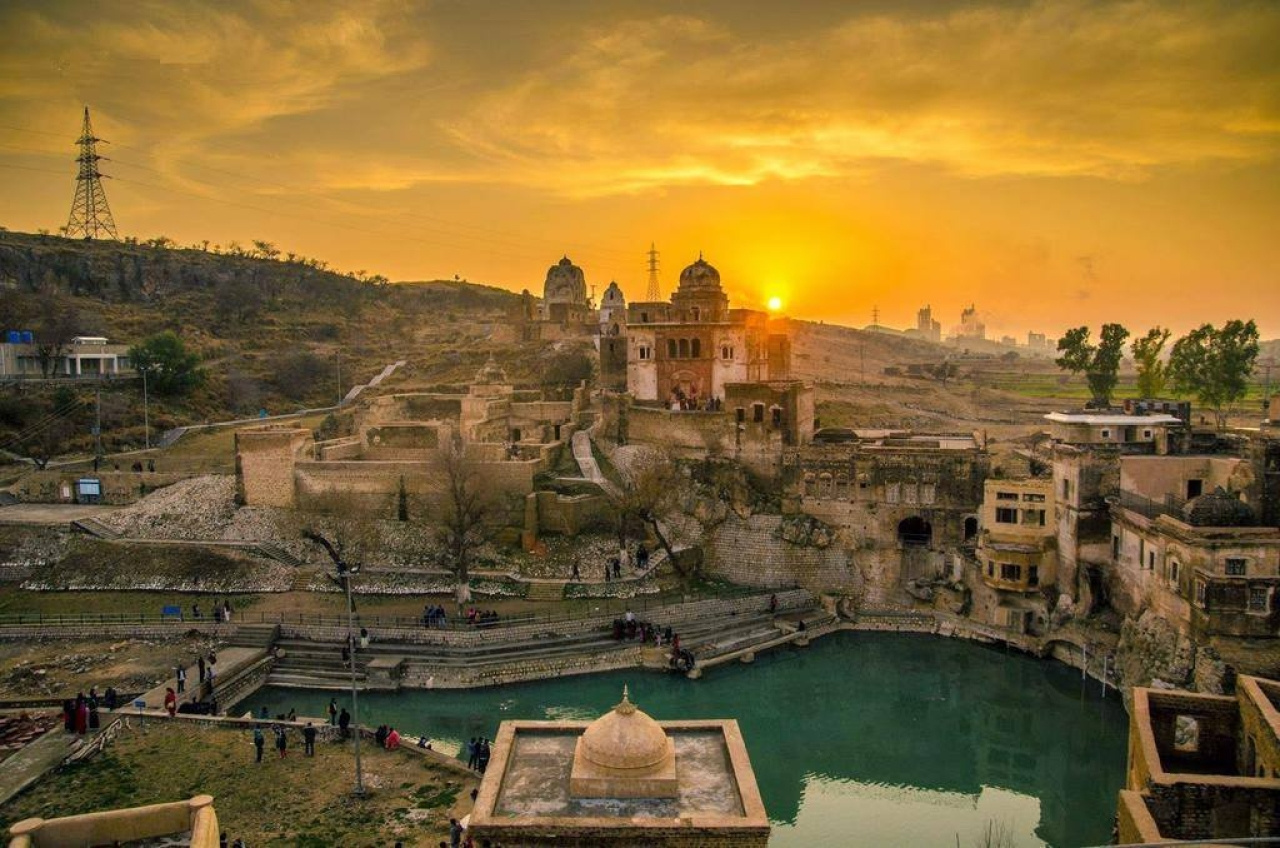 The Katas Raj temples (@TheCountryPakistan/facebook)