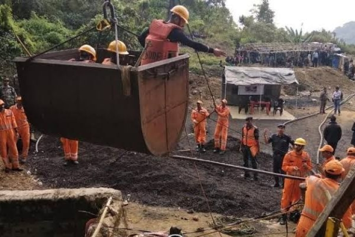 Meghalaya: Navy Divers Join Rescue Operations For Miners Trapped In A Flooded Rat-Hole Coal Mine For More Than 15 Days