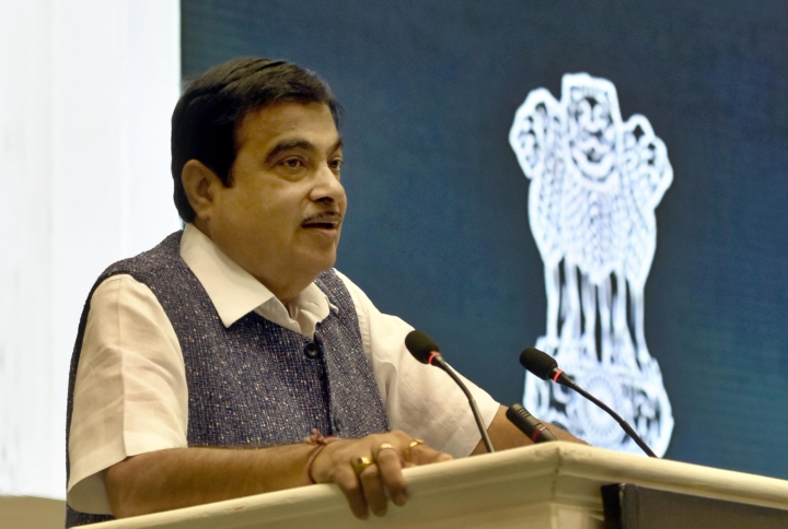 Build Top-Class Roads, Or I Will Put You Under The Road Roller, Gadkari Warns Contractors, After SC Observations