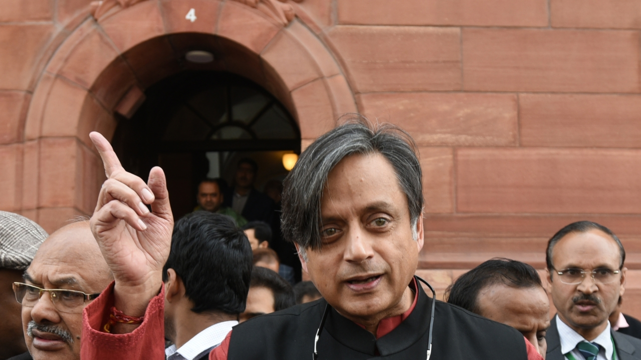 'Those Who Praise PM Modi Should Join BJP': Kerala Congress Demands Explanation From Shashi Tharoor For Pro-Modi Comment
