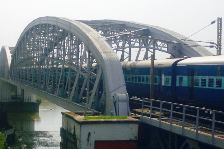 Parliamentary Panel Takes Indian Railways' Case: Demands Action Against Officials For Delay In 3,000 Bridge Projects