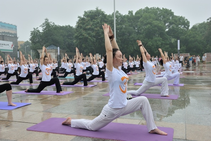Yoga Sees Rapid Rise In Popularity In China; China-India Yoga College To Set Up 50 New Branches