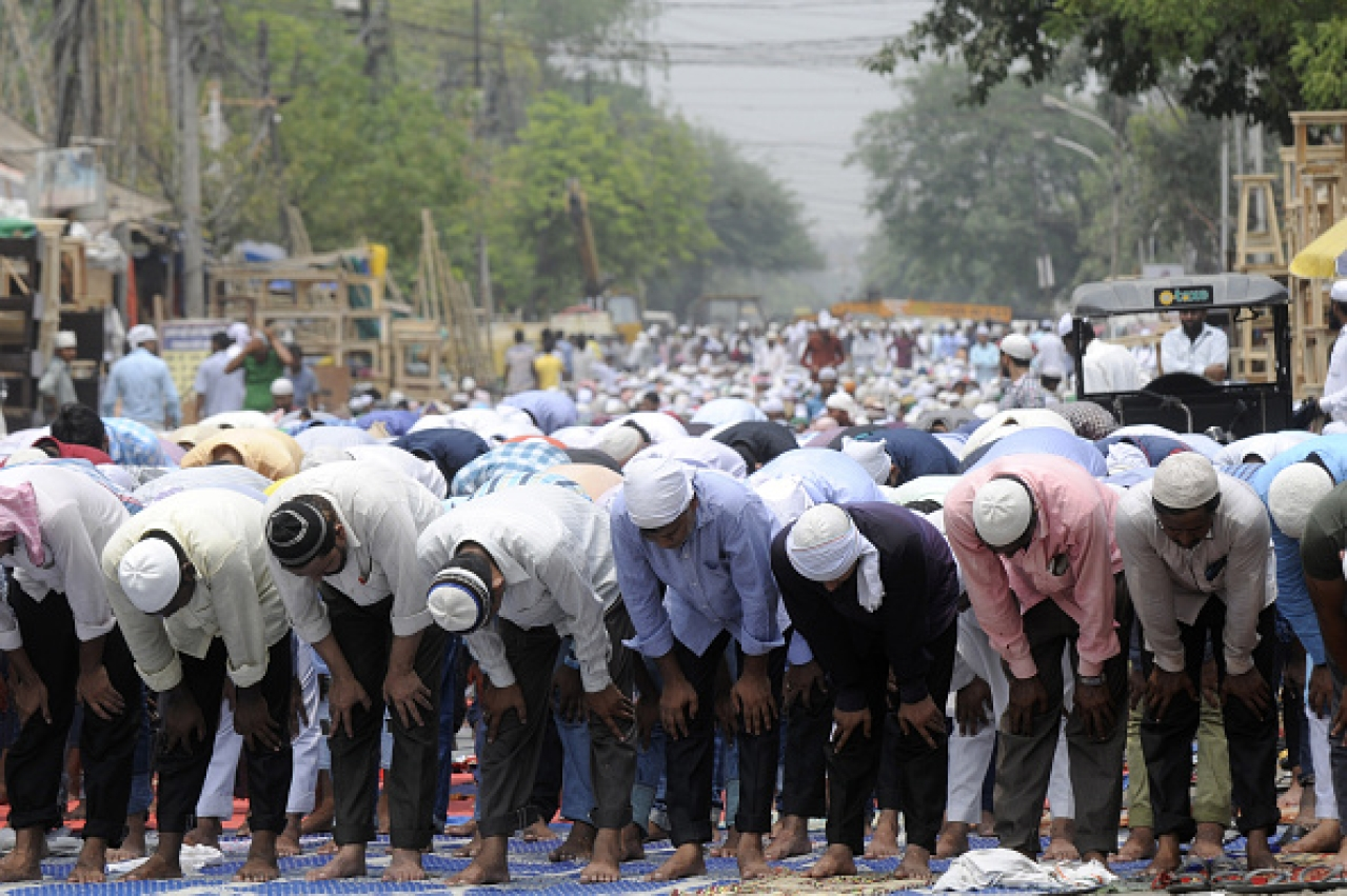 UP Police Bans Namaz On Roads Across The State After Strictly Implementing It In Meerut, Aligarh