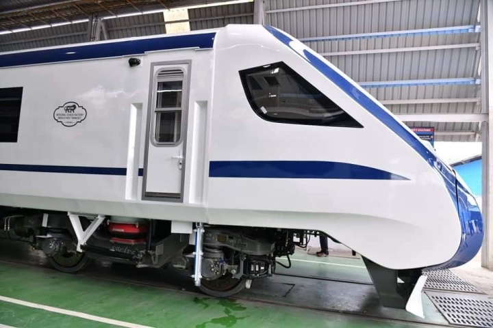 Railways Introduces New Tender System For 'Train 18', 40 Vande Bharat Train Sets To Be Produced Over Next 3 Years