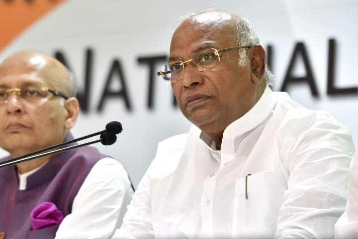 While Congress Alleges HAL Ignored In Rafale Deal, Kharge-Led Panel Says Its Poor Performance Poses 'Security Threat'