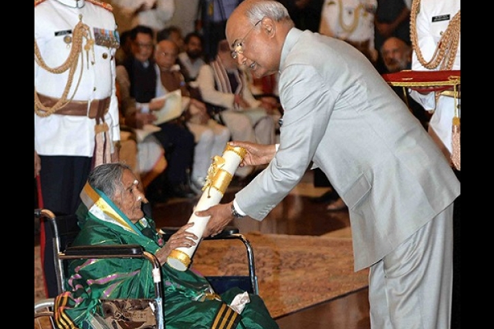 Padma Shri Awardee Midwife Sulagitti Narasamma Who Helped Deliver Over 15,000 Babies, Passes Away Aged 98