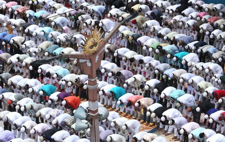Shia Sect Of Muslims Cancels  Friday Prayers Tomorrow To Prevent Spreading Of Coronavirus