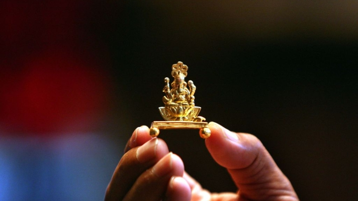 NRI Devotees Listen-Up: Indian Gold Idols Now Available Abroad As Government Allows Conditional Export