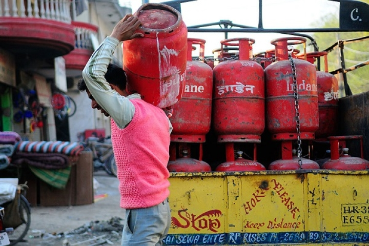Impact Of Ujjwala Yojana: Nine Out Of 10 Indian Households Now Cook On An LPG Cylinder
