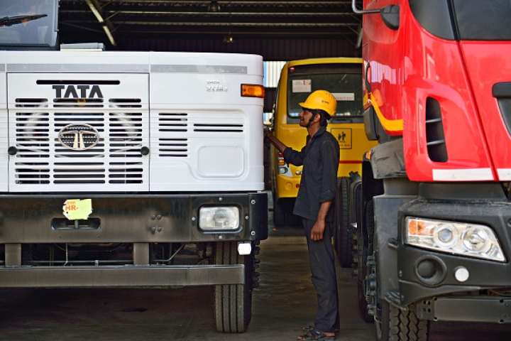 Commercial Vehicle Sales Tank 20 Per Cent In Wake Of Post-IL&FS Liquidity Crunch