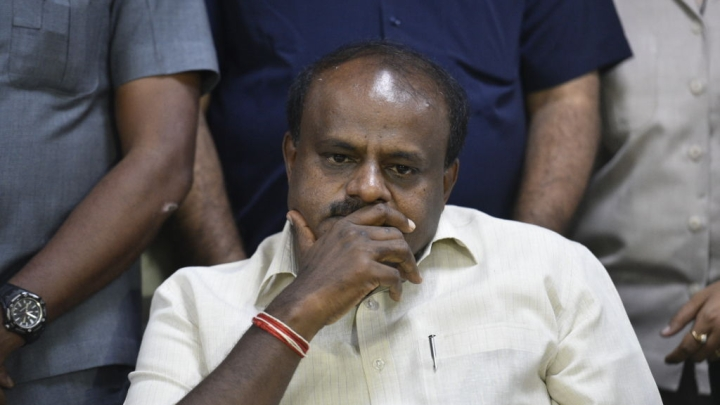 I-T Department Asks EC To File Criminal Cases against Karnataka CM H D Kumaraswamy And Others For Intimidating Officers