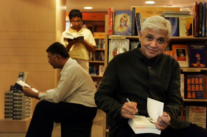 Renowned Litterateur Amitav Ghosh To Be Presented With 54th Jnanpith Award