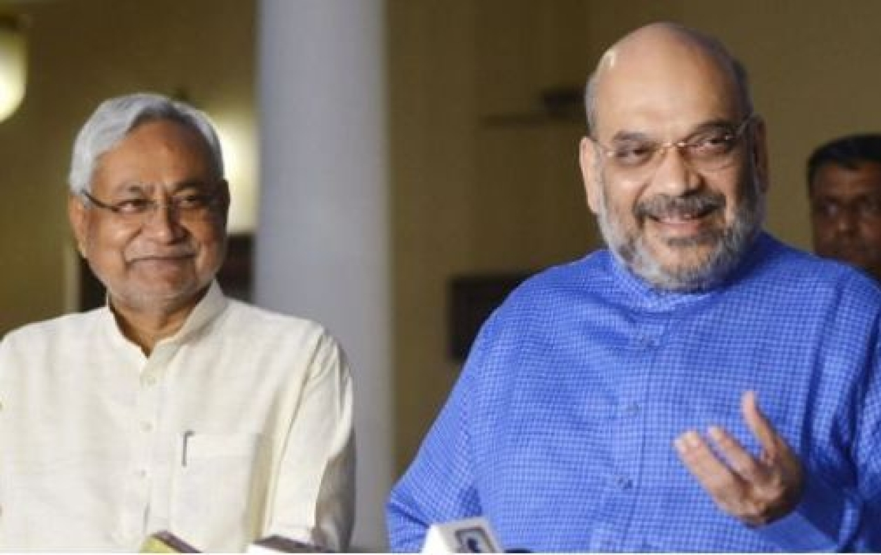 Bihar Chief Minister Nitish Kumar with BJP chief Amit Shah. (K Asif/India Today Group/GettyImages)