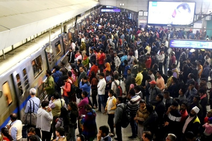 Workday 'Blues' For Delhi Metro: Commuters Troubled After Entire Blue Line Gets Marred By Signalling Issues