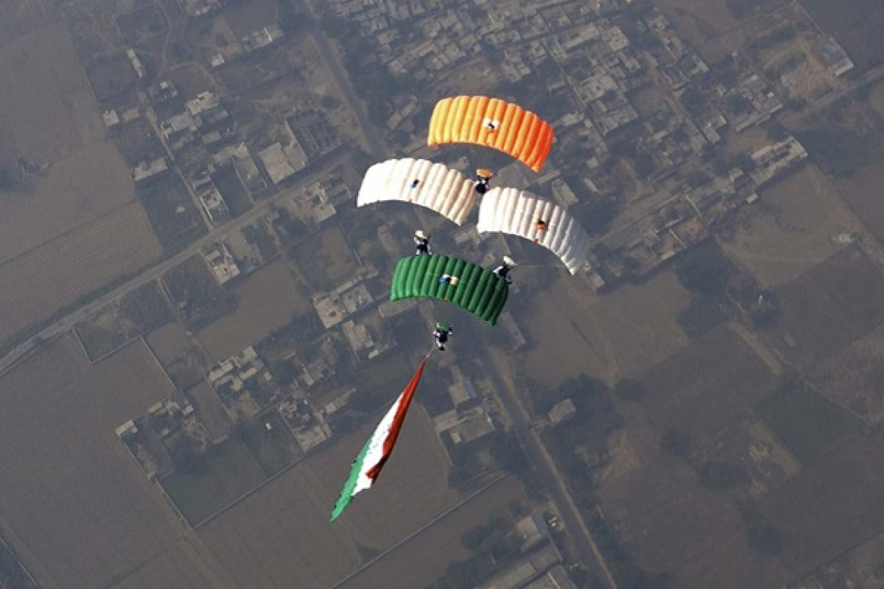 Watch: Indian Air Force's Skydiving Team Tames The Skies, Dives 12,000 Feet With Large Sized Tiranga
