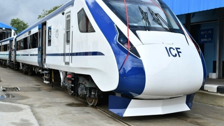Train-18 Manufacturing May Slow Down After Vigilance Officials Swoop In And Take Important Documents