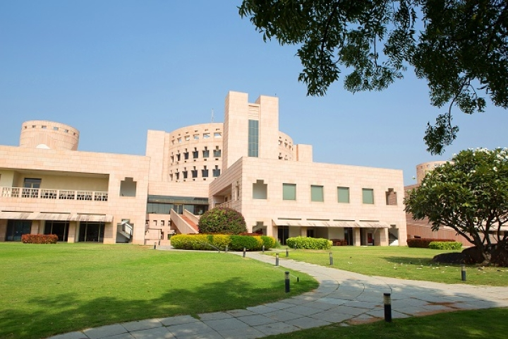 ISB Only Indian B-School In Top 25 Of Global MBA Rankings; IIM Ahmedabad Falls By 16 Points To 47