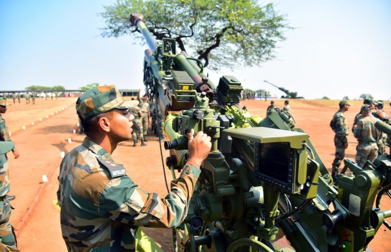 Indian Army inducts K9 Vajra, M777 howitzers guns at the Deolali artillery centre in Nashik. (Mayur Bargaje/Hindustan Times via Getty Images)