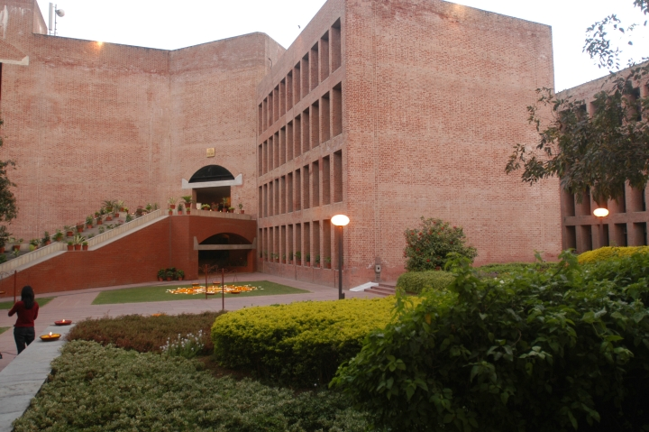IITs And IIMs To Seek Exemption From 10 Per Cent Quota For Next Session, Cite Infrastructure, Already Conducted Exams