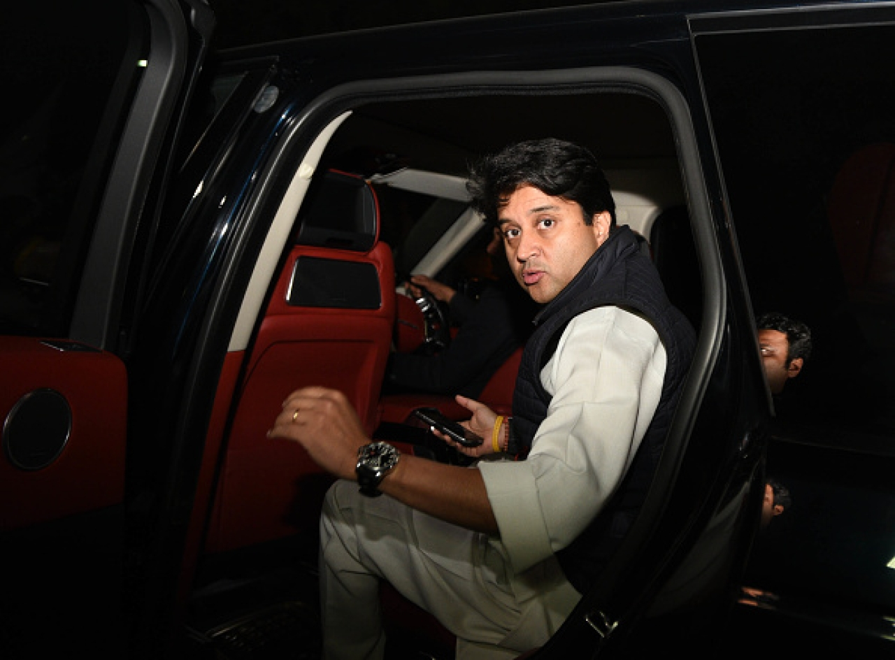 After Dropping Congress From Twitter Bio, Jyotiraditya Scindia Tries To Silence Rumours Of Anger With Party
