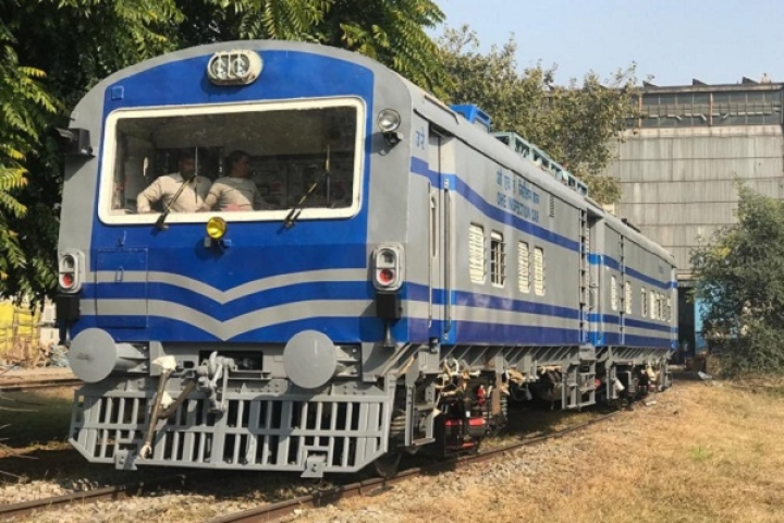 Indian Railways' Make In India Success Continues: DMW Patiala Rolls Out Its First Diesel-Electric Tower Car