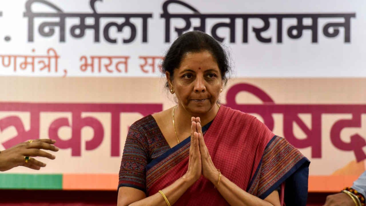 Watch:  Defence Minister Nirmala Sitharaman's Blitzkrieg Against 'Khandaan'
