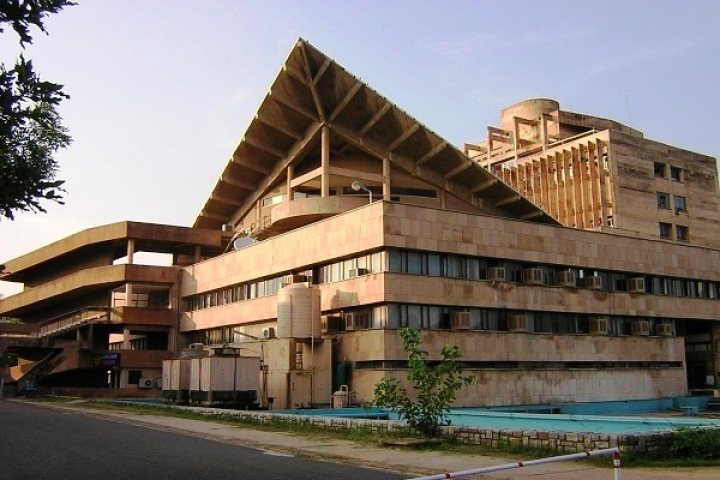 IITs To Implement Economic Quota In Phases Starting With 5 Per Cent For 2019 Academic Year; IIMs Still Uncertain