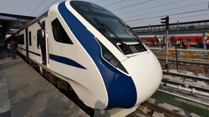 Central Railway's First Vande Bharat Express To Run On Mumbai-Shirdi Route; Will Cut Travel Time By Six Hours