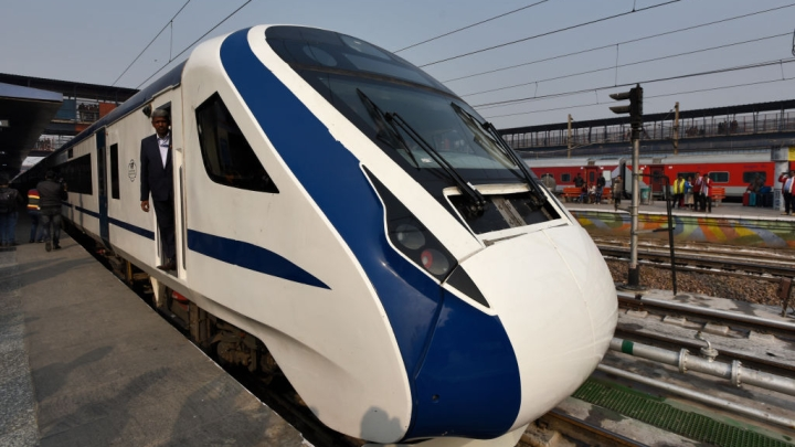 A 'Made In India' Success: Vande Bharat Express Completes Its First Commercial Run Smoothly