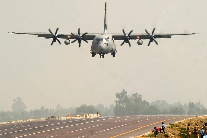 Indian Air Force To Induct Indigenous Fiberglass Mats For Quick Repair Of Damaged Runways Post Enemy Bombing