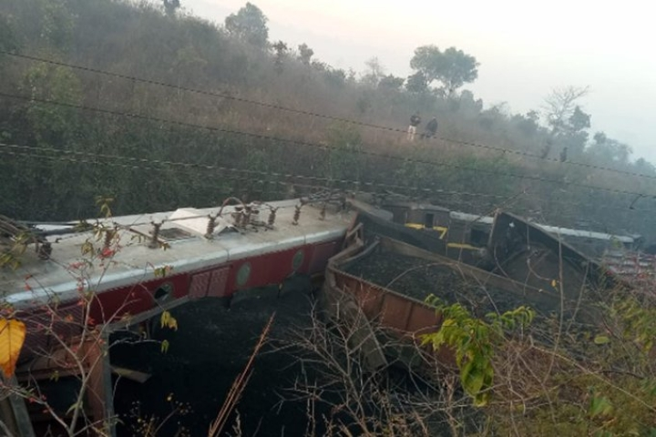 Two Coaches Of Chennai-Mangalore Train Derailed  Near Shoranur In Kerala; No Casualties Reported