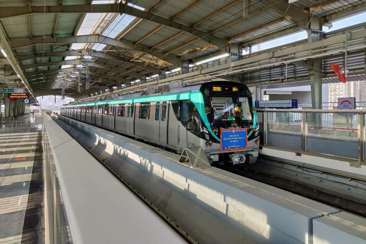 Noida Metro: Residents Face Inconvenience Due To Lack Of Connectivity Between Aqua And  Blue Line
