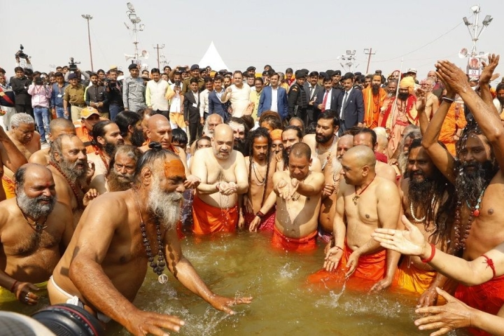 Honouring Timeless Traditions: Amit Shah, Yogi Adityanath Take Holy Dip At Prayagraj During Kumbh Mela