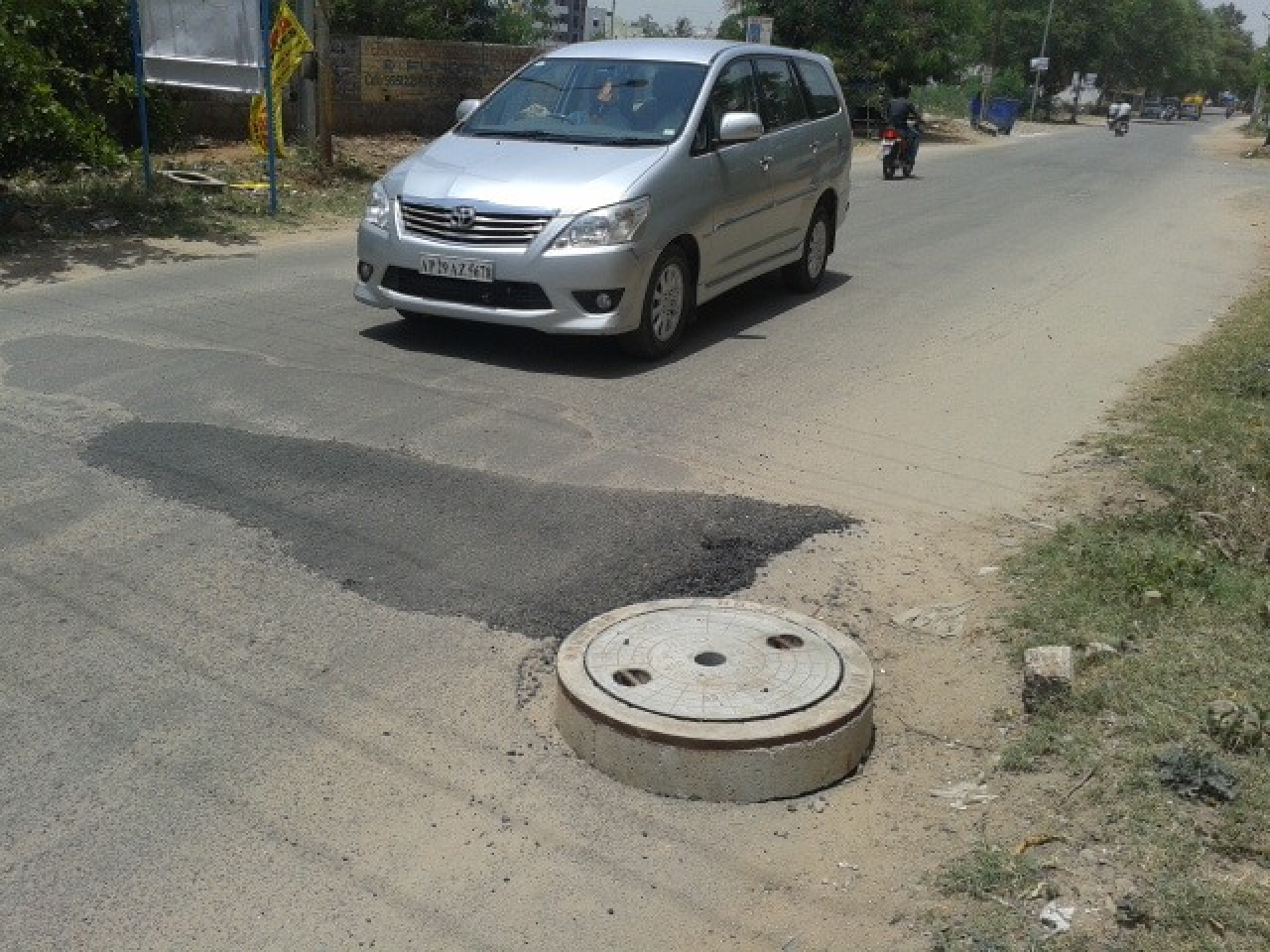 No More Bumpy Manholes On The Road: Hyderabad Bodies To Implement New Tech For A Smooth Drive