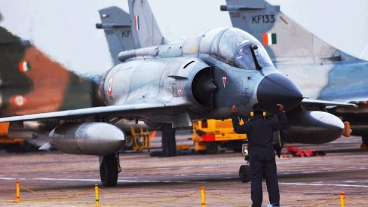 IAF's Mirage 2000 Was Modified In Record 12 Days To Support Targeting Pods, Laser Guided Bombs During Kargil War