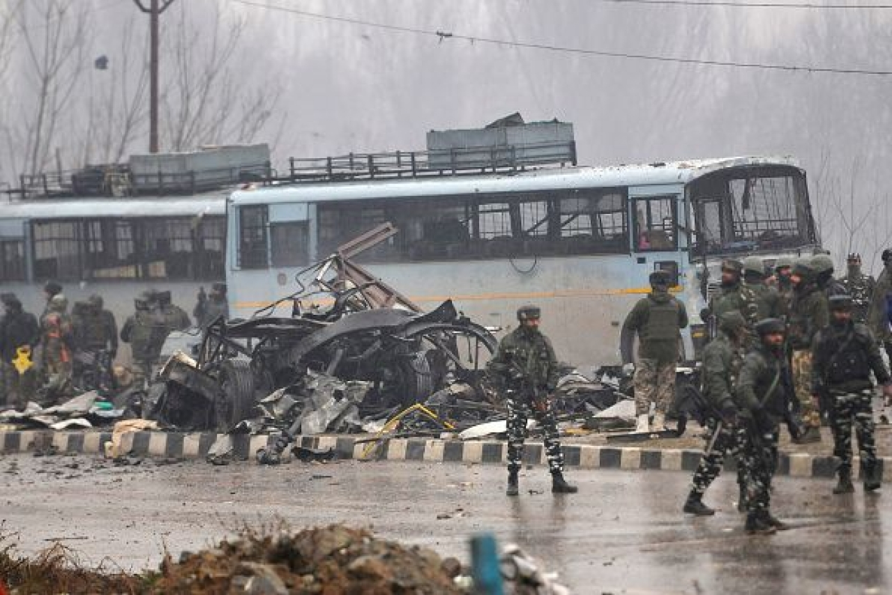 The aftermath of the attack in Pulwama. (Waseem Andrabi/Hindustan Times via GettyImages)