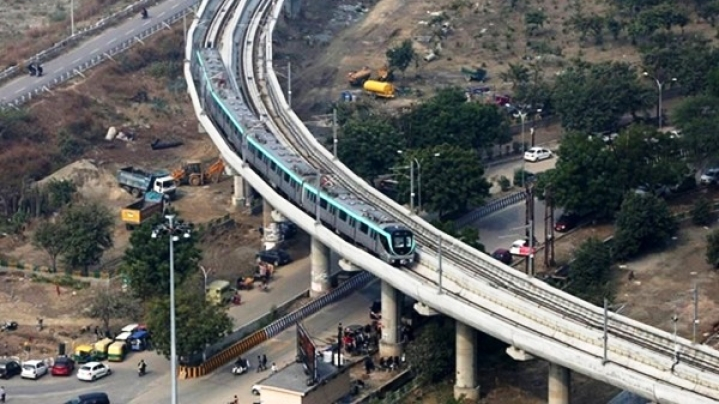 Delhi Metro Commuters Seek Bridge Connecting Blue Line's Sector 52 Station To Noida Metro's Aqua Line For Easy Transfer