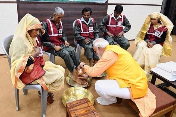 PM Modi Donates Rs 21 Lakh From His Personal Savings For The Welfare Of Sanitation Workers