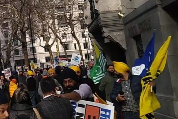 Watch: ISI-Backed Khalistanis Attack British Indians Outside Indian High Commission In London; Men In Turbans Raise 'Allah-u-Akbar' Slogans