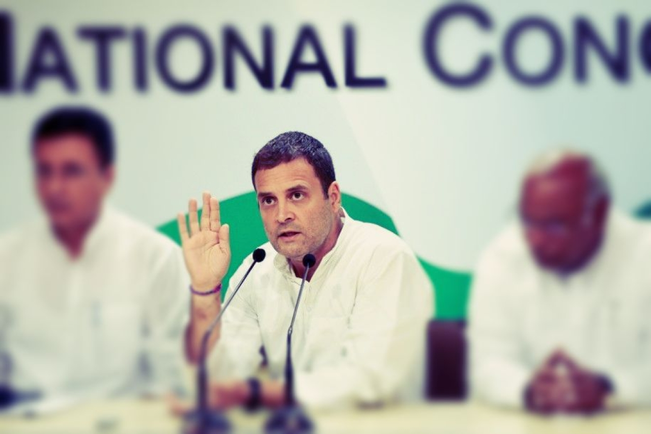 Congress Party president Rahul Gandhi with other Congress leaders during a press conference on the issue of CBI chief Alok Vermas removal (Sonu Mehta/Hindustan Times via GettyImages)