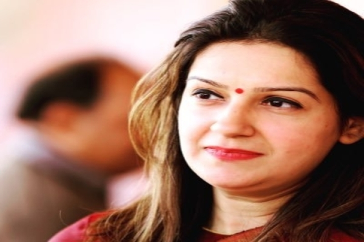 Goons Preferred In Congress Over Hardworkers: Priyanka Chaturvedi Slams Party For Reinstating Those Who Misbehaved With Her