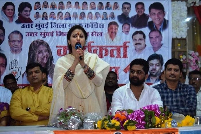As Early Trends Show Maharashtra Turning Saffron Again, Urmila Matondkar And Milind Deora Trail By Heavy Margins