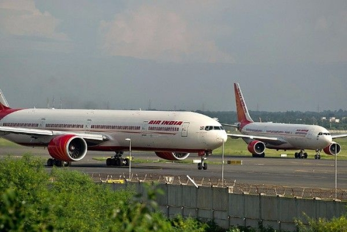 With Jet On Death-Bed, Government Must Look To Speed Up Air India Privatisation