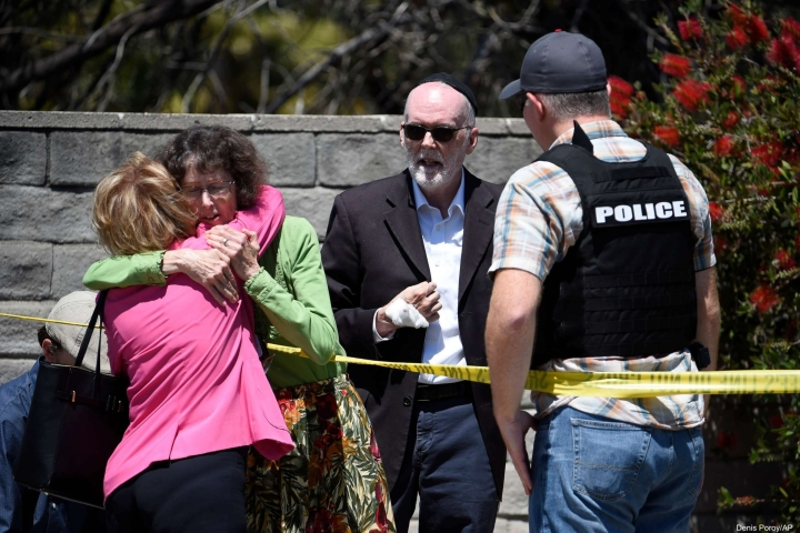 US Synagogue Shooting: One Dead, Three Injured After Gunman Opens Fire; Police Arrests 19-Year-Old Man
