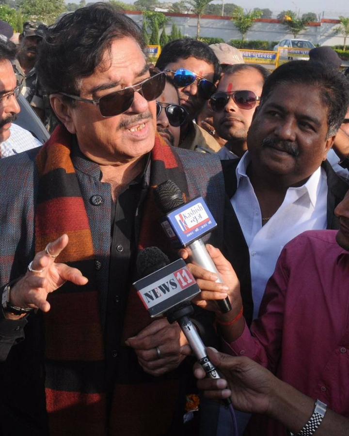 Shatrughan Sinha Was 'Spoilt For Choice' But 'Chose' Congress On Family Friend Lalu Prasad Yadav's Advice