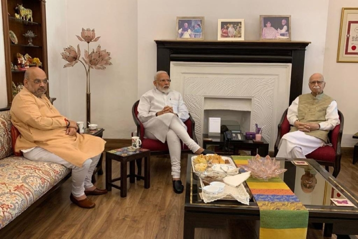 Modi-Shah Seek Blessings Of Jubilant Party Stalwarts Advani And Murli Manohar Joshi After BJP's Historic Win