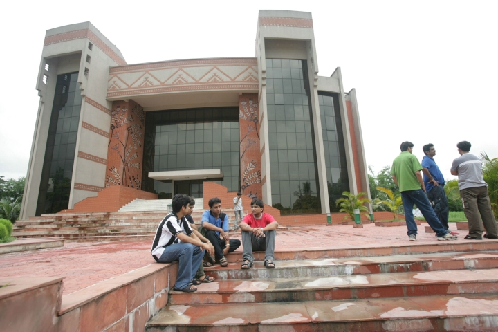 IIM Calcutta To Increase Seats In MBA Programme From 2019 Session To Facilitate Rolling Out Of EWS Quota